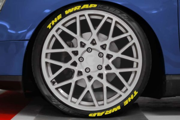 Tirestickers - Tirelabeling Yellow own text